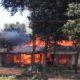 TERBAKAR: Dua rumah warga Desa Mrawan Kecamatan Tapen, Bondowoso ludes terbakar, Selasa (10/9/2019)
