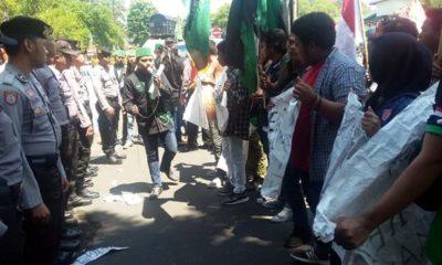 HMI Bondowoso Demo Desak Pemerintah Cabut Perpres Tenaga Kerja Asing