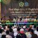 Tampak khusu' dan haru ,para ulama' ,alumni dan Muspika do'akan Almarhum KH.Saiful Haq (foto dul memontum.com Bondowoso)