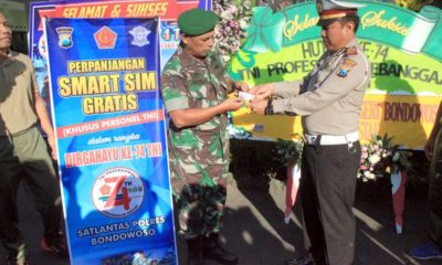 Dirgahayu TNI ke-74 Polres Bondowoso bagikan SIM gratis