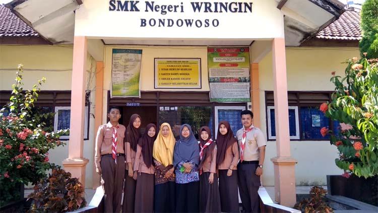 Rohmawati S.Pd,M.Pd,Kepala Sekolah SMKN.01 Wringin (foto dul Memontum, Bondowoso)