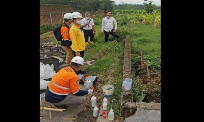 Limbah Pabrik Sumpit Bondowoso Cemari Irigasi Persawahan Warga